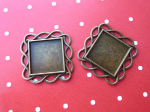 Square Wavy Frame Trays 20mm