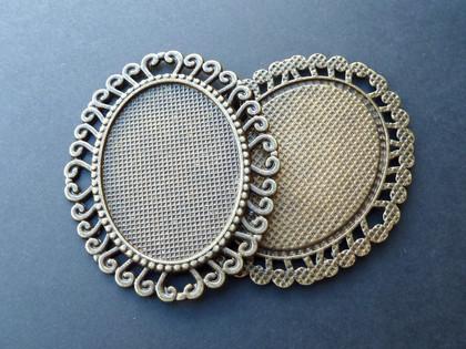 Ornate Oval Trays 30x40mm