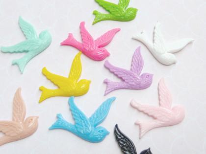 Resin Flying Birdies