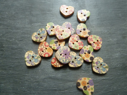 Wooden Heart Buttons Flower Pattern 18mm