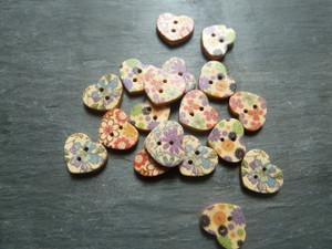 Wooden Heart Buttons Flower Pattern 18mm
