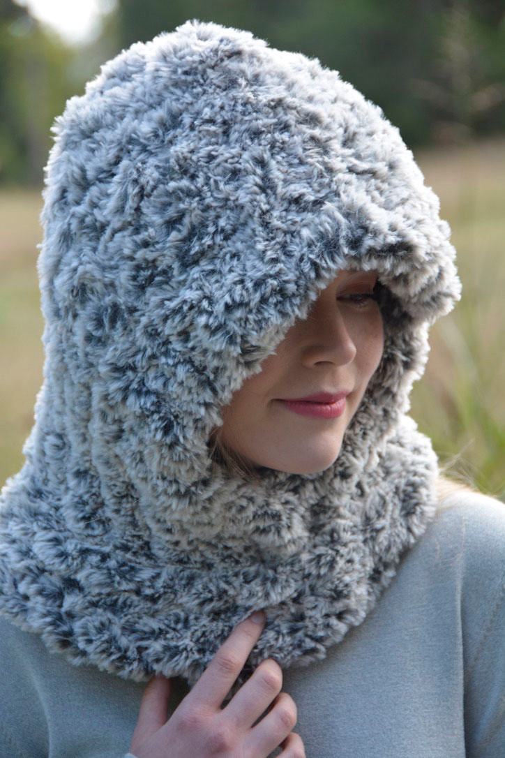 Faux Fur Hooded Cowl - http://www.knittingboard.com/