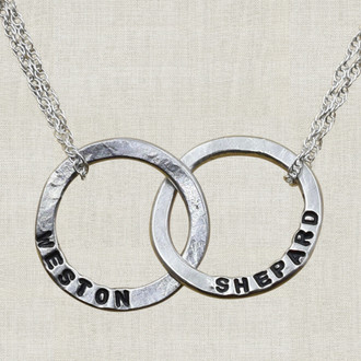 Interlocking Circle Name Necklace