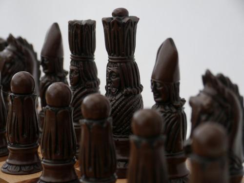 Berkeley Chess Victorian (Brown) Chessmen pieces (BC2003)