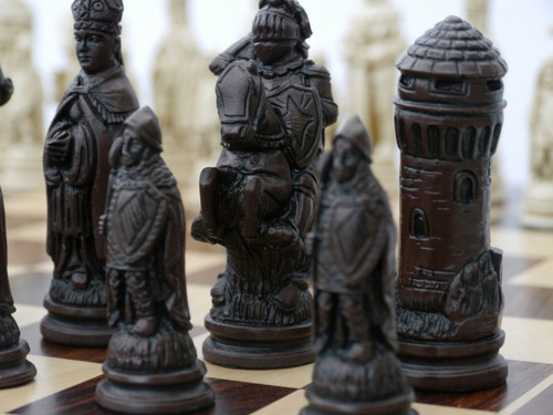 Berkeley Chess Camelot (Brown) Chessmen pieces (BC2006)