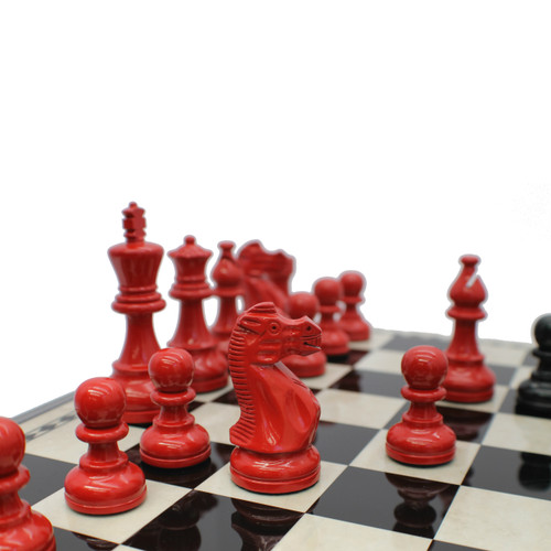Dal Rossi American Staunton 95mm Red and Black Chess Pieces (L3080DR) game