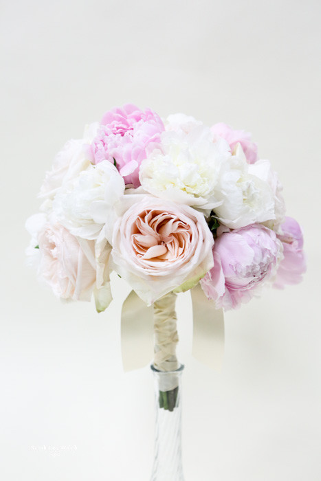 Hint of blushes in garden roses, white roses and blush pink and white peony.