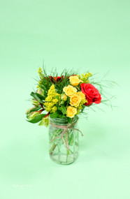 Mason jars can be so versatile, how about red and yellow for a bold summer look.
