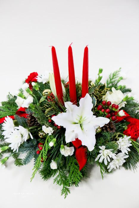 Christmas Flower Arrangements Images.Christmas Gathering Centerpiece