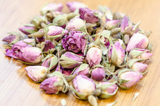Siberian Rose petals grown in the northeastern region of China near Siberia.  Great infused with more astringent teas or flowers to enhance floral notes, such as Angel green, Lychee black, Pu-erh, Chrysanthemum, or Lavender.