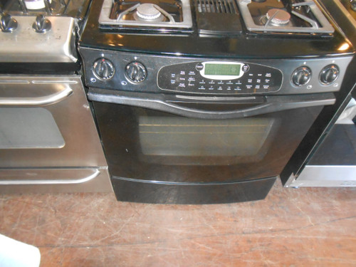 JENN-AIR DUAL FUEL DOWN DRAFT SLIDE IN RANGE SELF CLEAN  2 CONVECTION BAKING OPTIONS QUICK PREHEAT KEEP WARM SETTING 2 KITCHEN TIMERS BLACK LOCATED IN OUR PORTLAND OREGON APPLIANCE STORE
