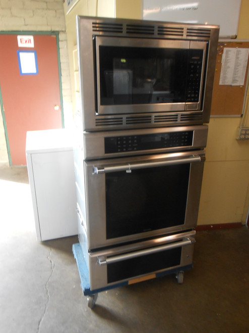 Thermador Professional Series PODMCW31W 30 Inch Smart Triple Wall Oven  Hydraulic Soft close Hinges Telescopic Rack, 16 Cooking Modes, Halogen Lighting, Rotisserie Self-Clean Warming Drawer and Wi-Fi LOCATED IN OUR PORTLAND APPLIANCE STORE