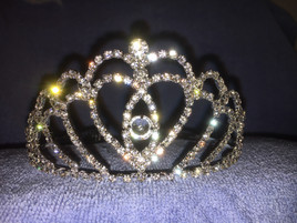 "2.250"" tall crown with side combs (zh005)"