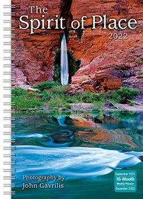 The Spirit of Place Classic Weekly 2022 Planner 16-Month: September 2021 - December 2022 by Gavrilis, John, 9781531913342