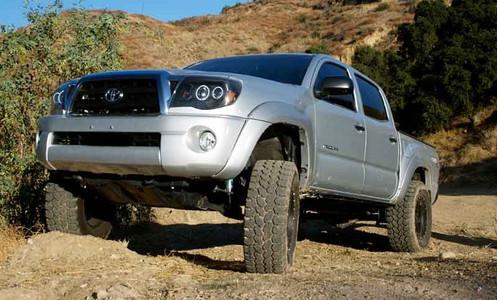 "2005-2020 Toyota Tacoma (6 Lug) 2wd 6.5"" Lift Kit - MaxTrac K886864 Installed"