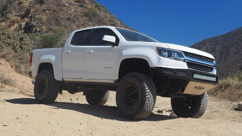 "MaxTrac K880463F 6.5"" Lift Kit Installed On 2015-2020 GMC Canyon 2wd"
