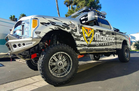 "2017-2019 Ford F250/350 4wd 6"" Radius Arm Drop Lift Kit W/ FOX Shocks - MaxTrac K883362F  Installed"