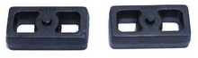 "2001-2010 GMC Sierra 2500 HD 2wd/4wd 1.5"" Cast Lift Blocks - MaxTrac 810015"