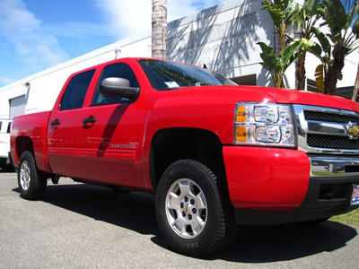 """2007-2018 Chevy Silverado 1500 2wd/4wd 3"""" Lift Strut Spacers - MaxTrac 831330 (Installed)"""