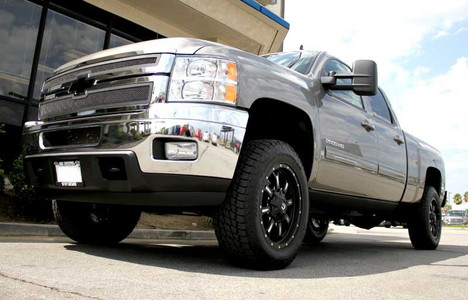 """2011-2019 Chevy Silverado 2500 HD 2wd/4wd 1-3"""" Lift Torsion Keys, With Shock Extenders - MaxTrac 841413 (Installed)"""
