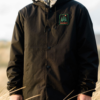 Moment Trees & Wave Rain Jacket - Black