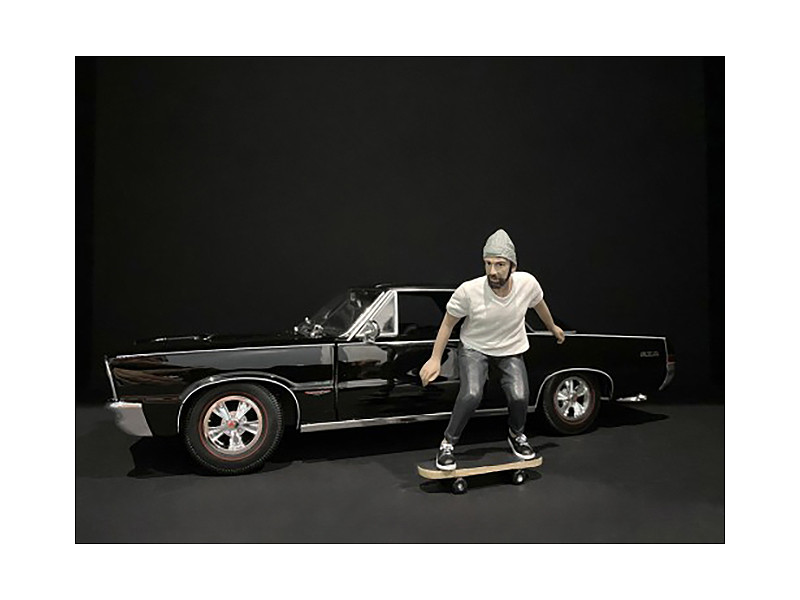 Skateboarder Figurine II for 1/24 Scale Models American Diorama 38341