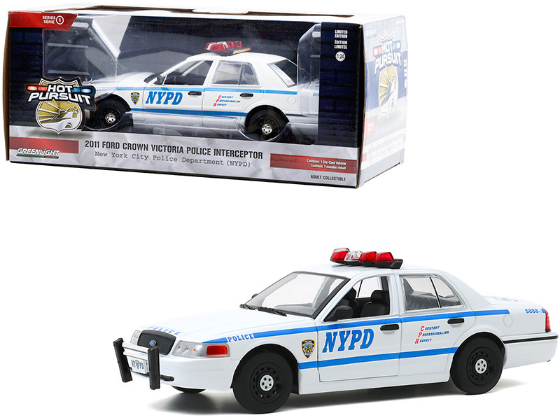 2011 Ford Crown Victoria Police Interceptor New York City Police Department NYPD White Hot Pursuit Series 1/24 Diecast Model Car Greenlight 85513