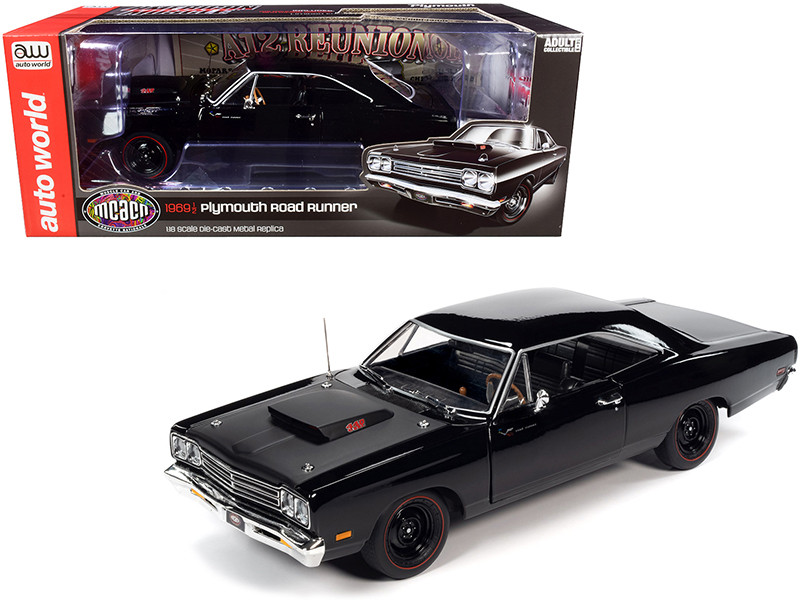 1969/5 Plymouth Road Runner Hardtop Black Velvet Matt Black Hood Muscle Car & Corvette Nationals MCACN 1/18 Diecast Model Car Autoworld AMM1232