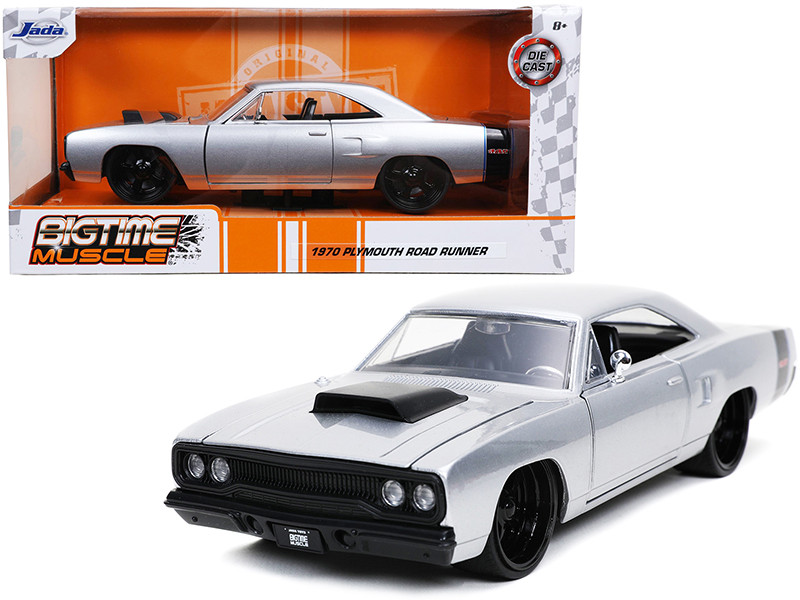 1970 Plymouth RoadRunner 440 Silver Metallic Black Stripes Bigtime Muscle 1/24 Diecast Model Car Jada 32306