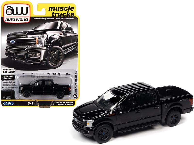 2019 Ford F-150 XLT Sport Pickup Truck Agate Black Matt Black Stripes Muscle Trucks Limited Edition 10240 pieces Worldwide 1/64 Diecast Model Car Autoworld 64282 AWSP055 B