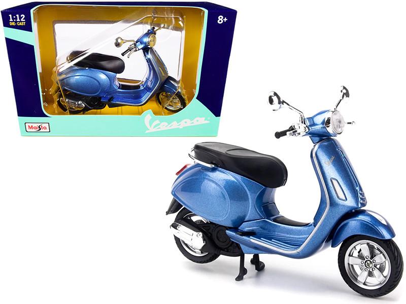 Vespa Primavera 150 Scooter Blue Metallic 1/12 Diecast Model Maisto 32721