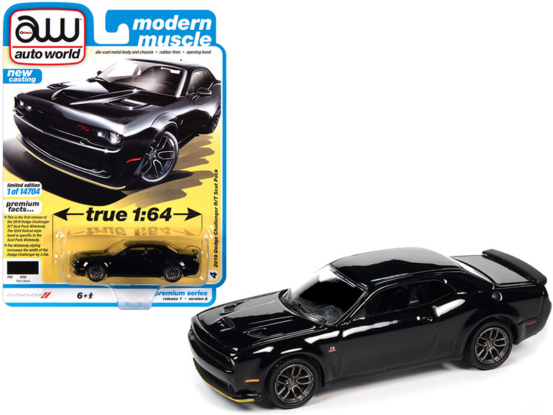 2019 Dodge Challenger R/T Scat Pack Pitch Black Modern Muscle Limited Edition 14704 pieces Worldwide 1/64 Diecast Model Car Autoworld 64302 AWSP061 A