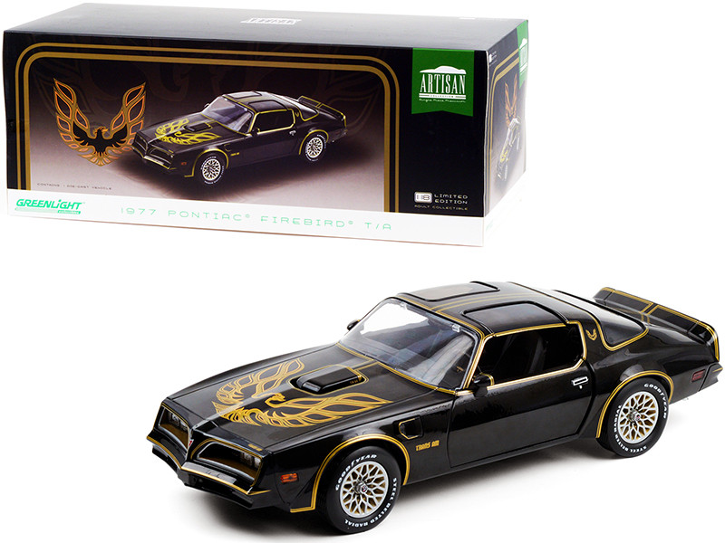 1977 Pontiac Firebird T/A Trans Am Starlite Black Golden Eagle Hood 1/18 Diecast Model Car Greenlight 19098