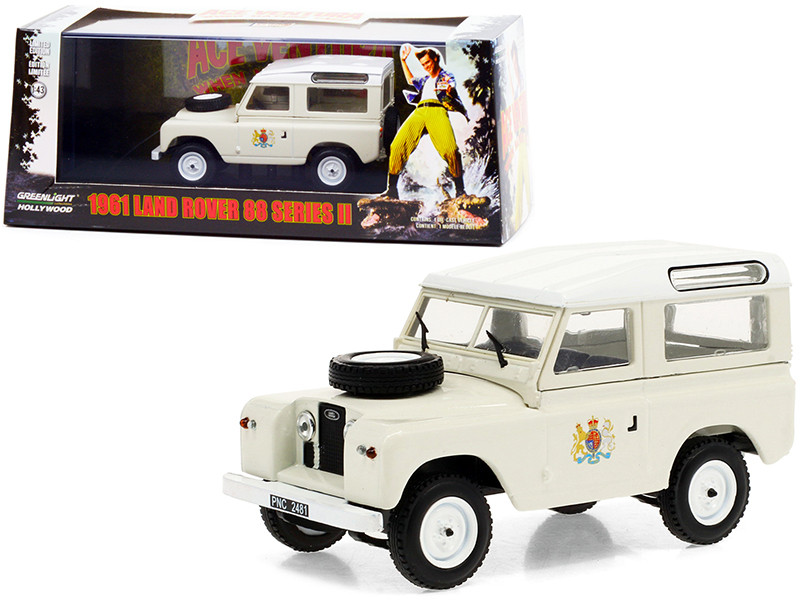 1961 Land Rover 88 Series II Station Wagon Cream White Top Ace Ventura 2 When Nature Calls 1995 Movie 1/43 Diecast Model Car Greenlight 86562