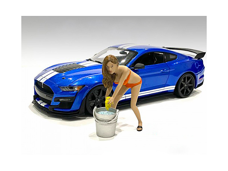 Cindy with Bucket Bikini Car Wash Girl Figurine 1/24 Scale Models American Diorama 76364