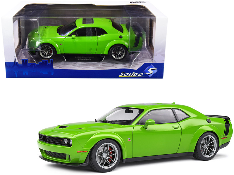 2020 Dodge Challenger R/T Scat Pack Widebody Sunroof Bright Green Black Tail Stripe 1/18 Diecast Model Car Solido S1805704