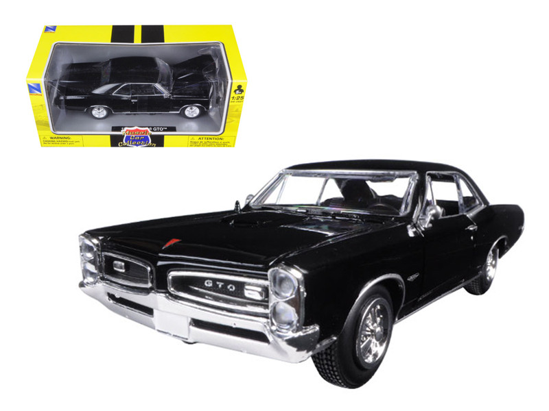 1966 Pontiac GTO Black 1/25 Diecast Model Car New Ray 71853