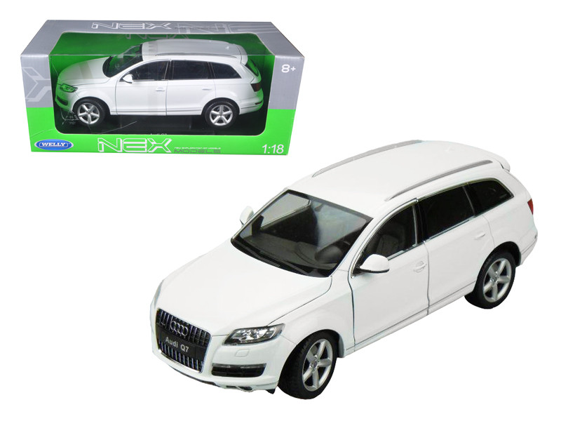 Audi Q7 White 1/18 Diecast Car Model Welly 18032