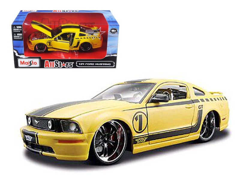 2006 Ford Mustang GT Yellow Pro Rodz 1/24 Diecast Model Car Maisto 31324
