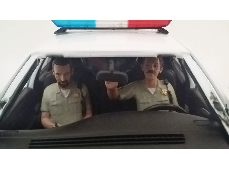 Seated Sheriff Officers 2 Piece Figure Set for 1:24 Models by American Diorama