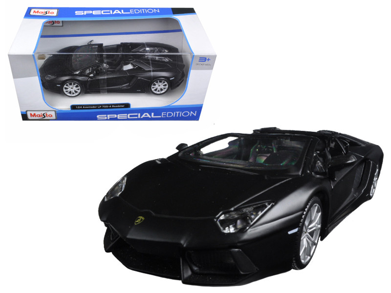 Lamborghini Aventador LP 700-4 Roadster Matt Black 1/24 Diecast Model Car Maisto 31504