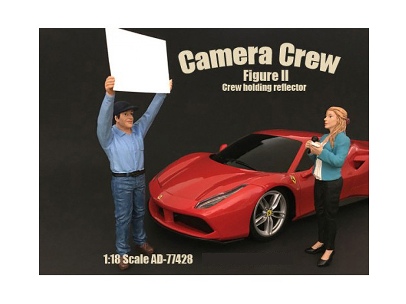 Camera Crew Figure II Crew Holding Reflector For 1:18 Scale Models American Diorama 77428