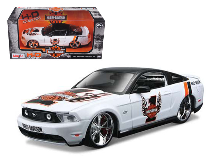 2011 Ford Mustang GT White #1 Harley Davidson 1/24 Diecast Model Car Maisto 32170