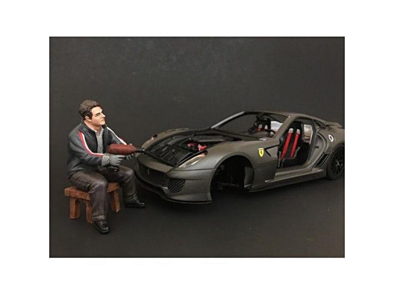 Chop Shop Mr. Lugnut Figure for 1:18 Scale Models American Diorama 38162