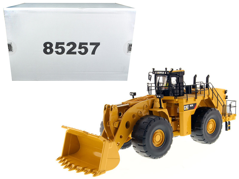 CAT Caterpillar 993K Wheel Loader with Operator High Line Series 1/50 Diecast Model Diecast Masters 85257