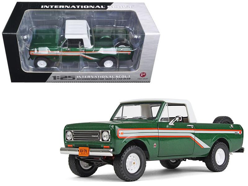 1979 International Scout Terra Pickup Truck Emerald Green 1/25 Diecast Model Car First Gear 40-0391