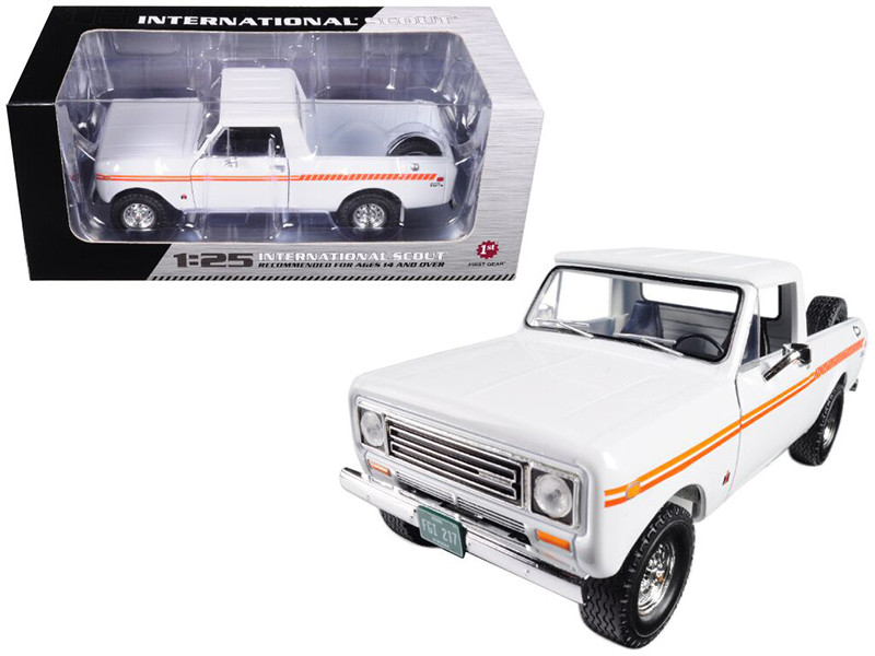 1979 International Scout Terra Pickup Truck White Orange Spear 1/25 Diecast Model Car First Gear 49-0407