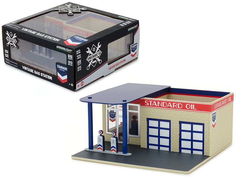 Vintage Gas Station Standard Oil Mechanic's Corner Series 3 Diorama for 1/64 Scale Models Greenlight 57032