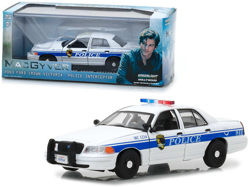 2003 Ford Crown Victoria Police Interceptor California Police MacGyver 2016 TV Series 1/43 Diecast Model Car Greenlight 86520