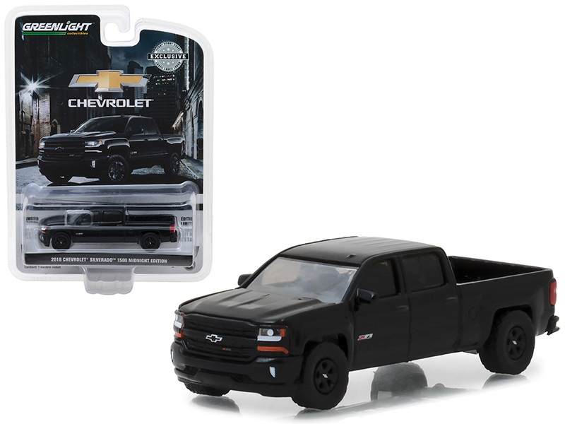 2018 Chevrolet Silverado 1500 Z71 Pickup Truck Black Midnight Edition Hobby Exclusive 1/64 Diecast Model Car Greenlight 29941
